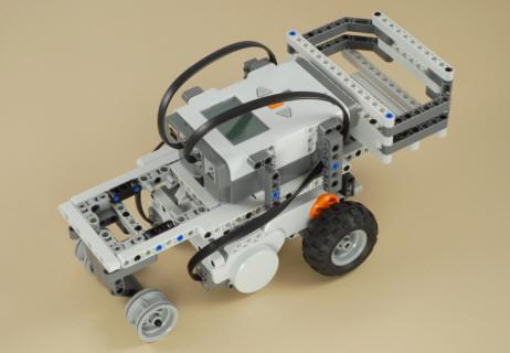 Building a bulldozer nxt robot 2.0